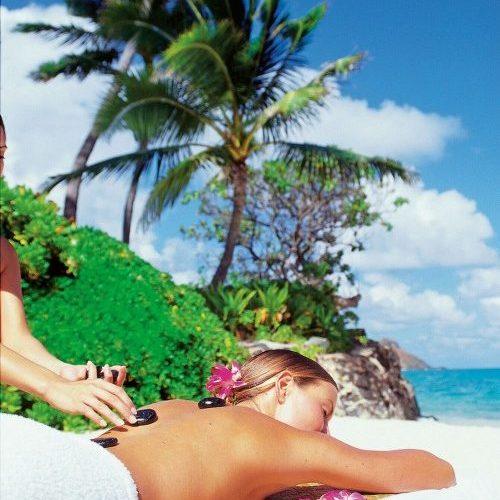 Hawaiian_hot_stone_massage_on_the_beach