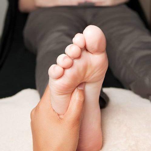 pregnant_feet